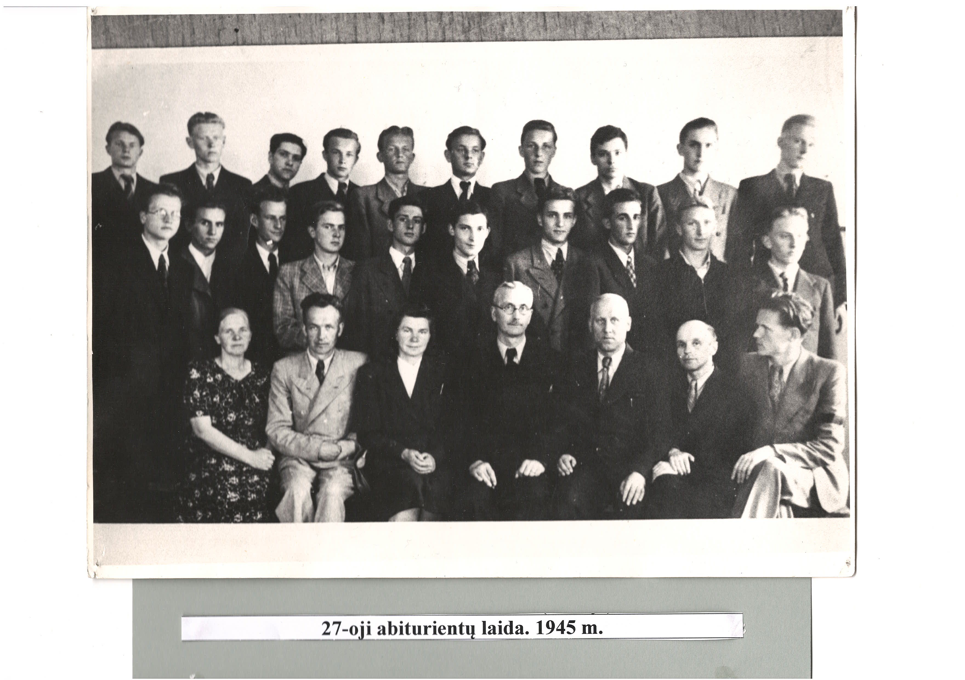 27-a laida, 1945 m.